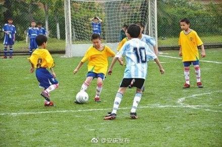安庆建起69所全国校园足球特色学校
