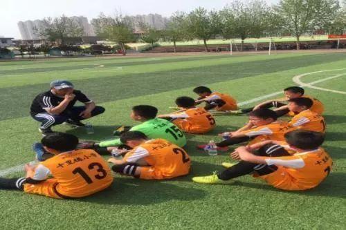 特色足球教育扎根石家庄十里铺小学