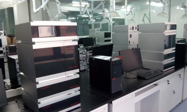 深圳通用GI-3000-14四元低压液相色谱仪自动进样系统