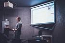教室里使用AR和VR的5种简单方法