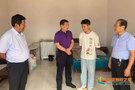 陇东学院党委书记曹复兴走访慰问困难家庭学生