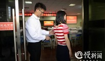 高考考场揭秘:渝北中学400个摄像头全监控