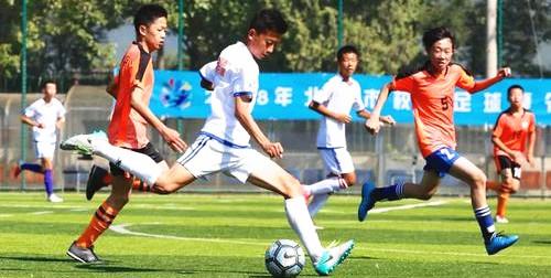 浙江出台發展校園足球新舉措 将建兩千所足球特色校
