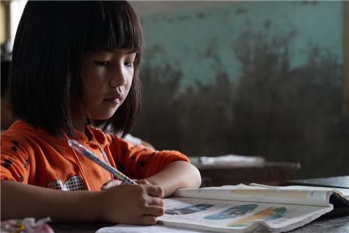 """《在線課堂,把""""教育公平""""還給農村孩子》"""